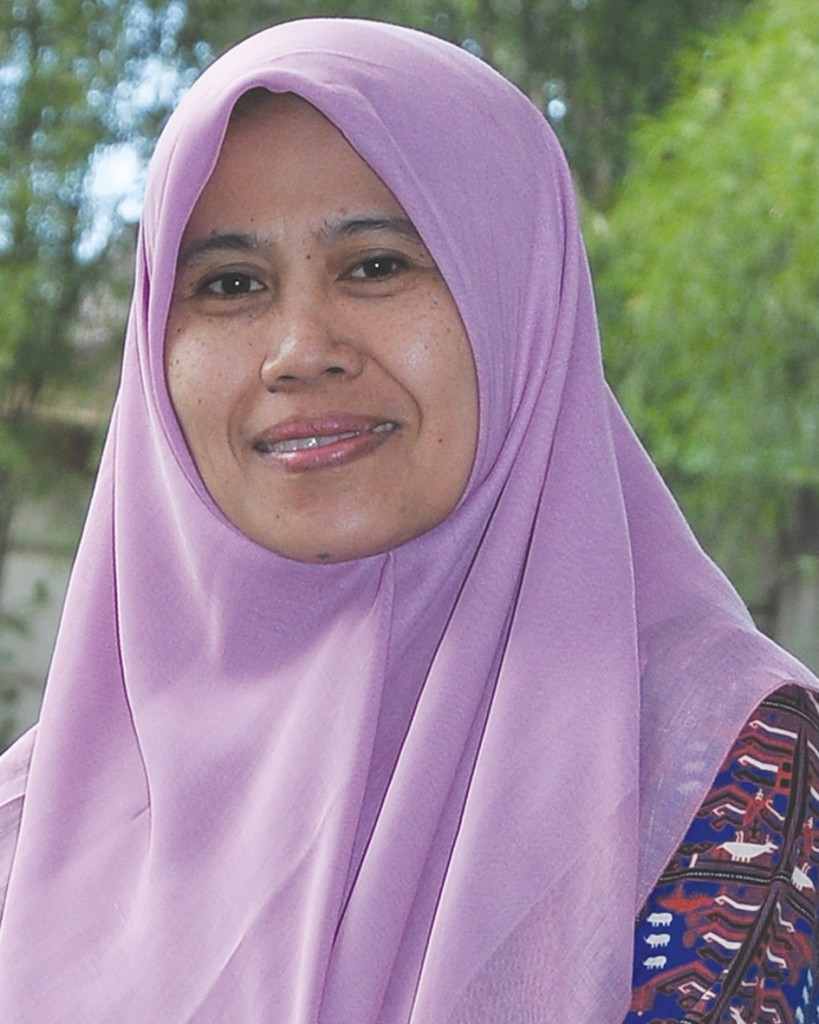 Hj. Ir. Rintha Wisangsari ( Guru Ilmu Pengetahuan Alam )