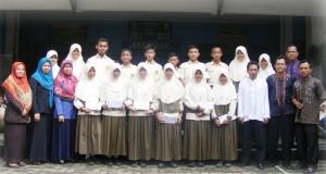 Siswa-siswi SMP Al Kautsar yang meraih prestasi di tingkat Kota, Provinsi, dan Nasional