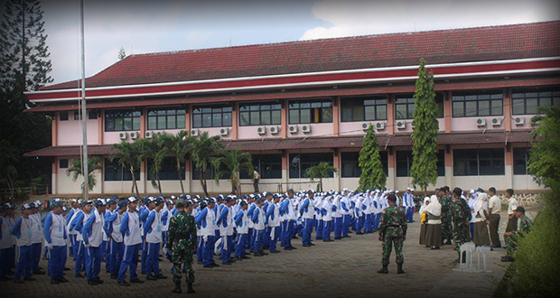Baris-berbaris yang langsung di latih TNI AD