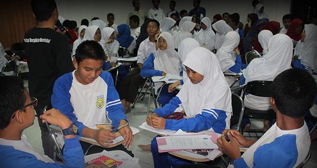 Latihan Penyususnan Program Kerja Pada LDK 2015