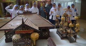 Siswa-siswi SMP Al Kautsar berkunjung ke Museum Lampung